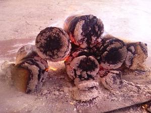 Продам древесные топливные брикеты