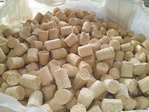 Паливні деревні брикети типу Nestro від виробника