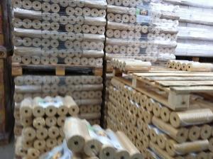 Поставки древесных брикетов
