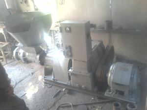Продам прес шнековый для производства топливных брикетов