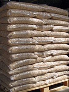 Предлагаем древесные пеллеты - фасовка 15 кг.