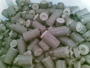 Продаем от производителя топливный древесный брикет