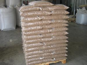 Пеллеты древесные 6-8 мм ENplus-A1 сосна, дуб