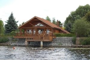 Монтируем деревянные дома из сосны и лиственницы