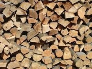 Породам колатые сухие дубовые дрова