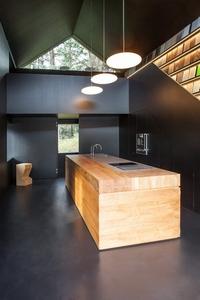 Мебель из дуба; кухни под заказ