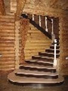 Высококачественные лестницы из натурального дерева для домов
